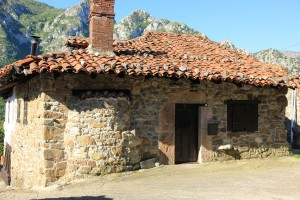 Casa Quirós is approximately 100 years old and stone built in traditional Asturian style.