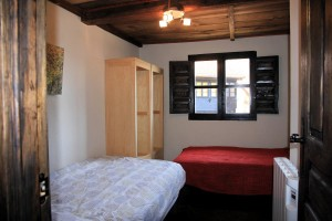 The twin bedroom...