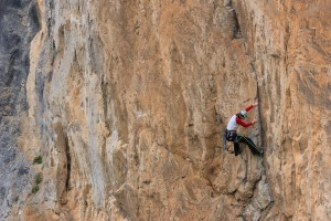 Nicola on the first pitch of the Clasica del Muro Techo, 6a